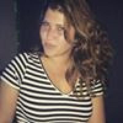 Milene zoekt een Kamer / Studio / Appartement in Den Haag