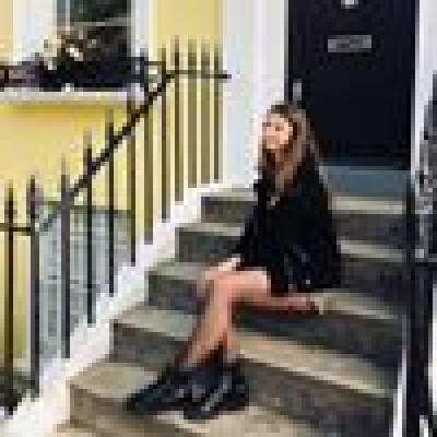 Emma zoekt een Kamer / Studio / Appartement in Den Haag