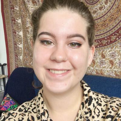 Hannah zoekt een Kamer / Studio / Appartement in Den Haag