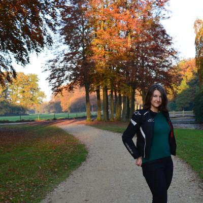 Elena zoekt een Kamer / Studio in Den Haag