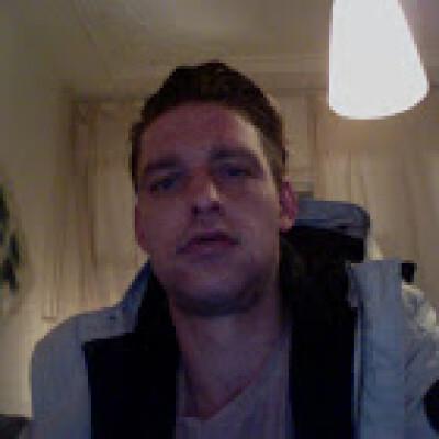 Fabian zoekt een Kamer / Studio / Appartement in Den Haag